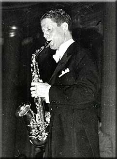 rudy vallee graverudy vallee deep night, rudy vallee ps i love you, rudy vallee, rudy vallee youtube, rudy vallee as time goes by, rudy vallee discography, rudy vallee stein song, rudy vallee honey, rudy vallee & his connecticut yankees, rudy vallee there is a tavern in the town, rudy vallee mp3, rudy vallee songs, rudy vallee megaphone, rudy vallee imdb, rudy vallee winchester cathedral, rudy vallee batman, rudy vallee the whiffenpoof song, rudy vallee grave, rudy vallee net worth, rudy vallee mike wallace interview